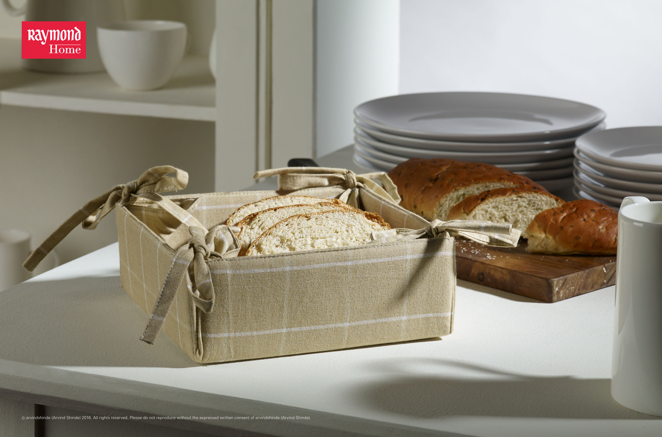 Raymond-Home-kitchen-linen-Bread-Basket